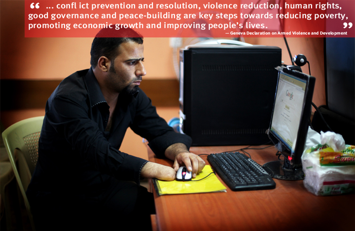 Iraq: Bahdaj Abdul, 27, lost his right hand in a mine explosion. He now studies Economy at Basra University. Photo: UNDP